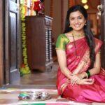 Amruta Pawar Marathi Actress Photos Biography Wikipedia Filmography Image Gallery