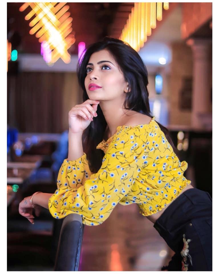 Ruchira Jadhav Bold Look in Saree