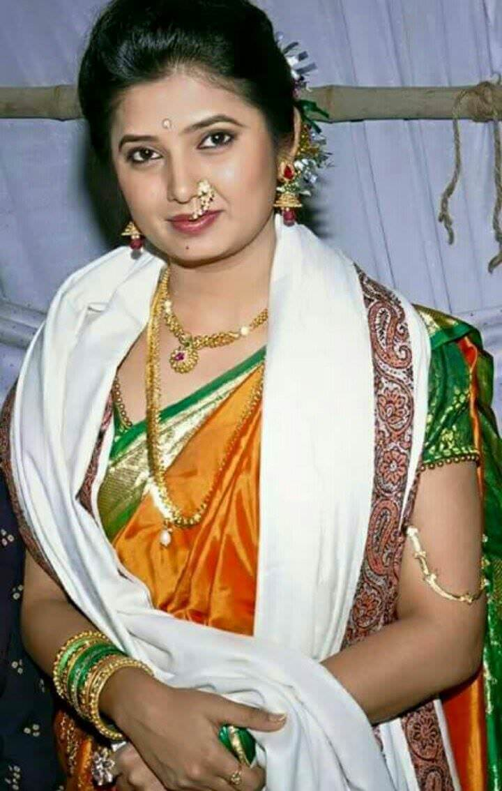 Prajakta Mali Marathi Actress Biography Wiki Photos Images Gallery Downloads Boyfriend Net Worth Cars Income Saree Sexy Hot Marriage Famliy Education School Home Adress
