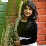 Shruti Atre Divekar marathi actress