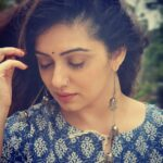 Shruti Marathe Background Wallpaper