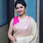 Veena Jagtap actress in Saree