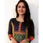 Swabhiman Star Pravah Serial Actress Pooja Birari