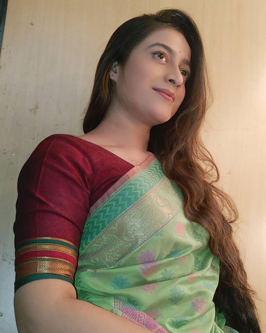Amita Kulkarni Marathi Actress Bio Wiki Photos Serials Fimlography Images Profile Gallery