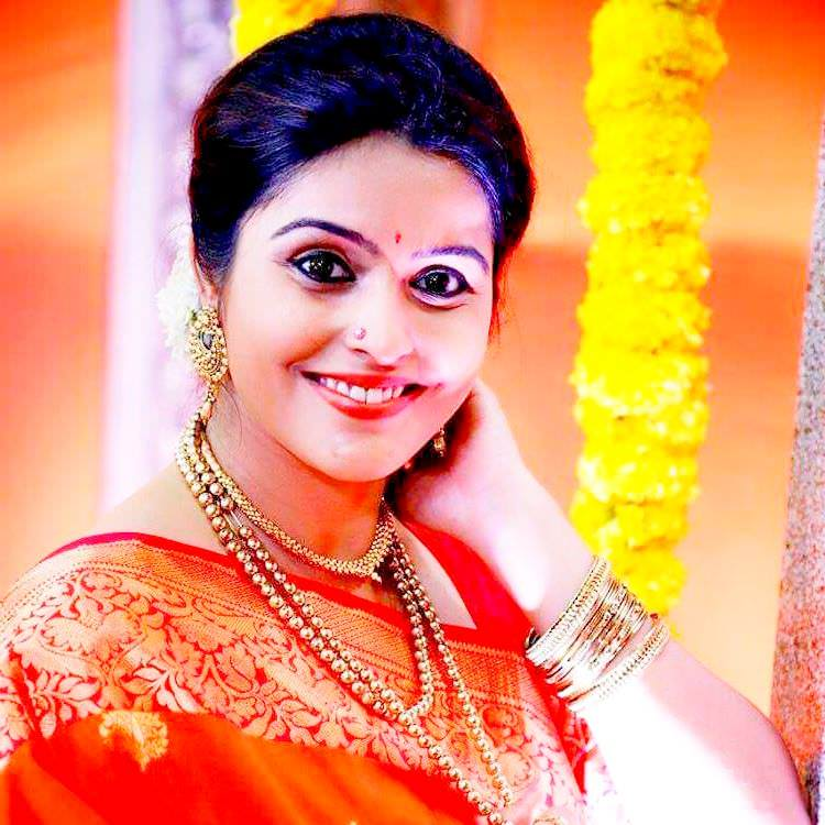 Surabhi Hande Marathi Actress Bio Wiki Age Husband Birthdate